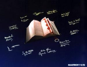 Firma en Maastricht del Tratado de la Unión Europea por los 12 Ministros de Asuntos Exteriores